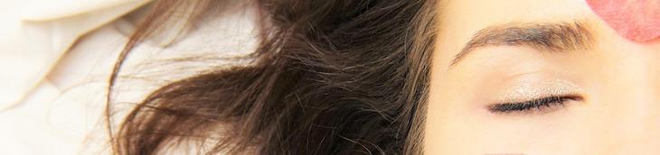 オールインワンゲル シワ たるみ ほうれい線 原因 対策 選び方
